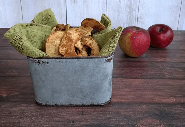 Dried cinnamon apple chips - The Herbal Spoon